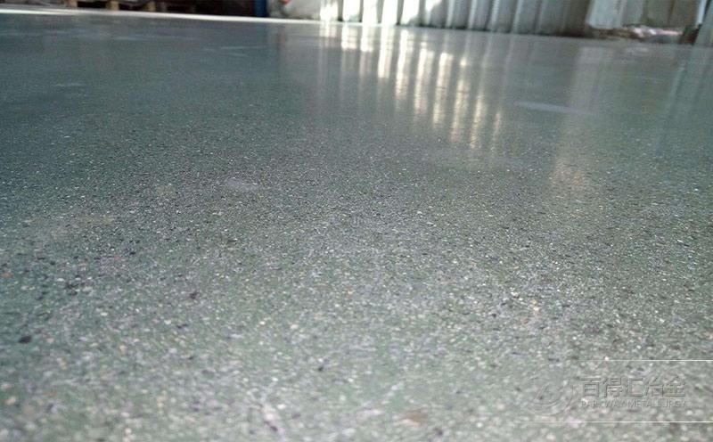 学校铁砂地坪